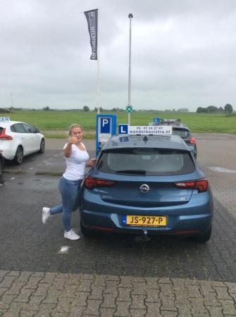 Delia Hoekstra geslaagd op 12 juli 2017